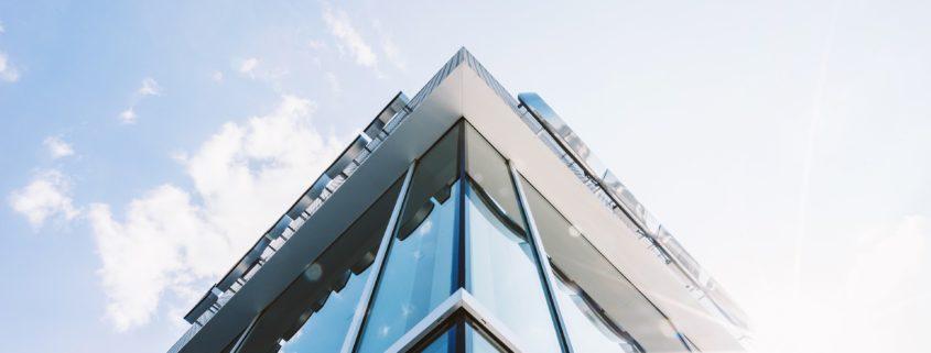 ניקוי חלונות בגובה | HD WINDOWS