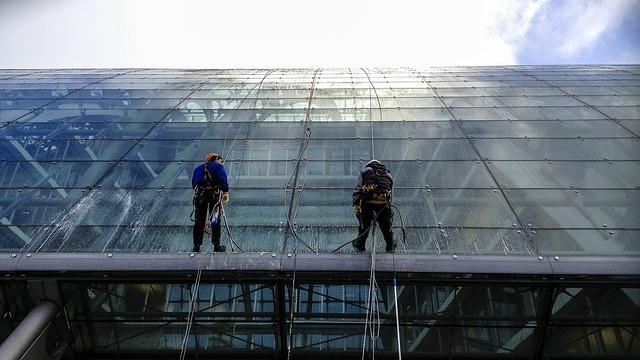 ניקוי חלונות בסנפלינג | ניקוי חלונות בגובה